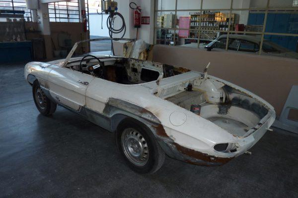 Alfa-Romeo-Duetto-1.6-13-Custom