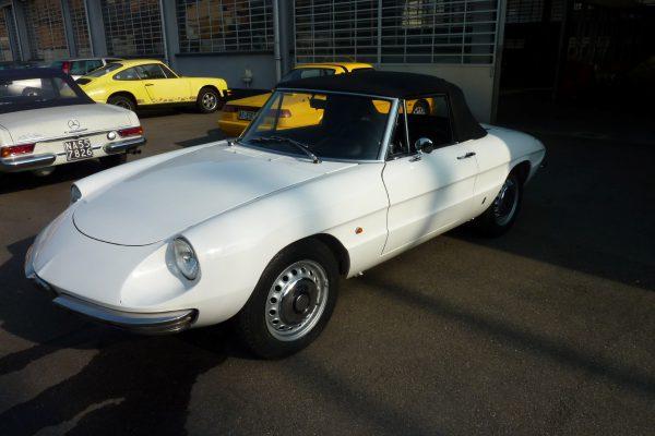 Alfa-Romeo-Duetto-1.6-25-Custom