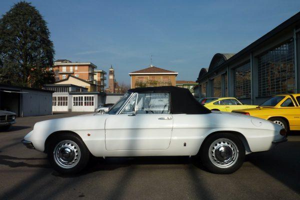 Alfa-Romeo-Duetto-1.6-27-Custom