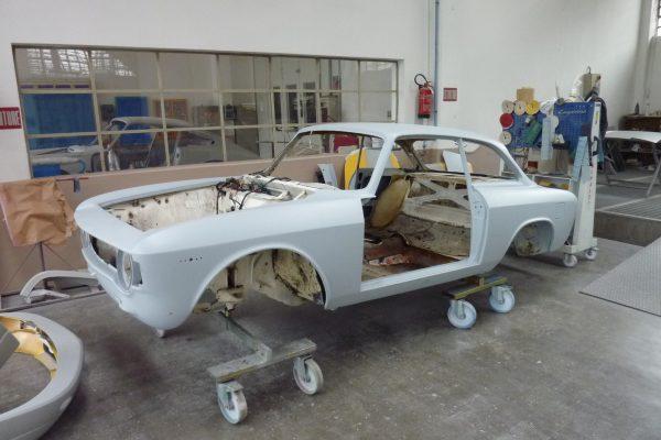 Alfa-Romeo-GT-1.6-Veloce.jpg-13