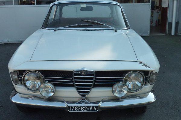 Alfa-Romeo-GT-1.6-Veloce.jpg-2