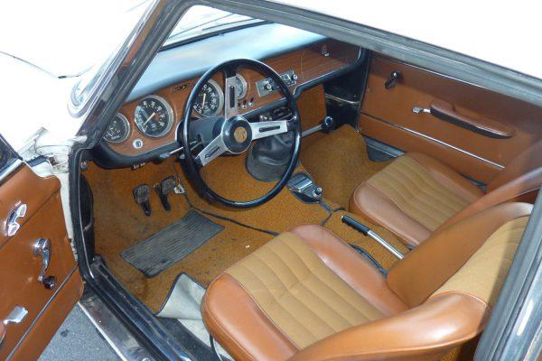 Alfa-Romeo-GT-1.6-Veloce.jpg-5