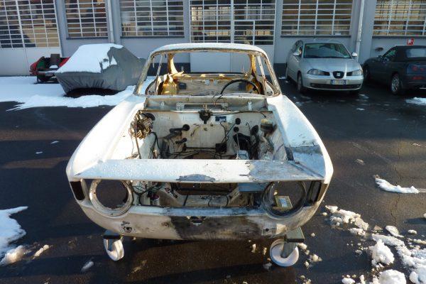 Alfa-Romeo-GT-1.6-Veloce.jpg-9