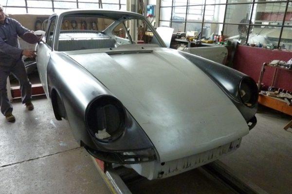 Porsche-911-2.0-S-1968-12