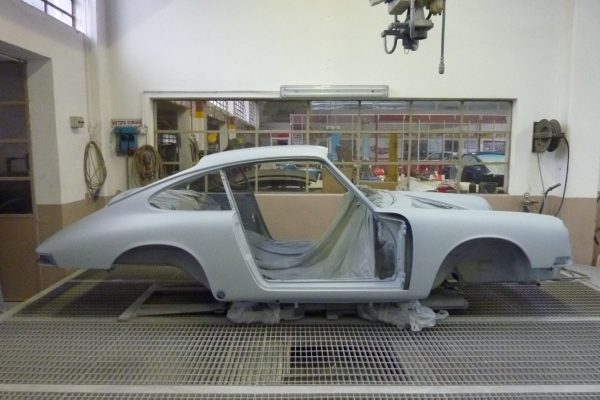 Porsche-911-2.0-S-1968-24