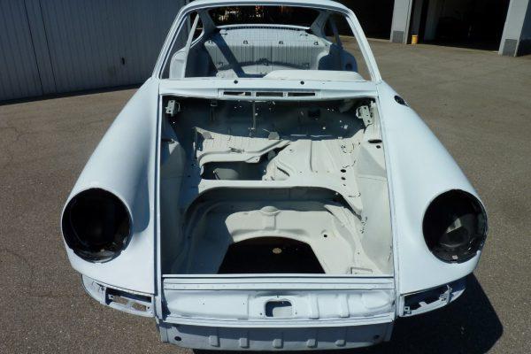 Porsche-911-2.0-S-1968-26