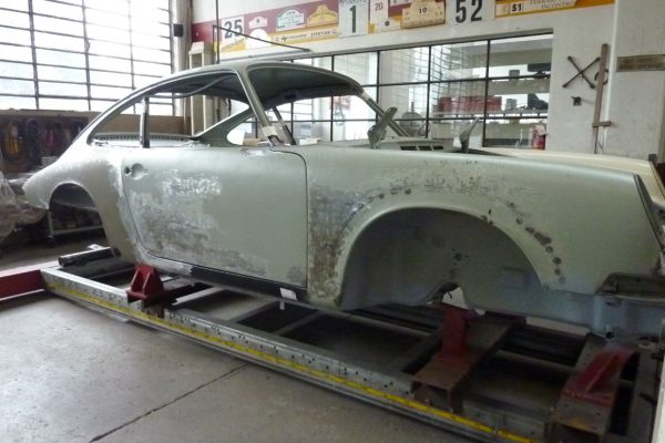 Porsche-911-2.0-S-1968-39