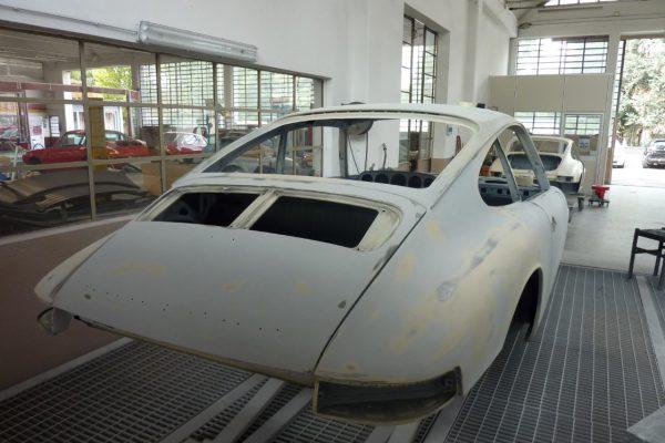 Porsche-911-2.0-S-1968-53
