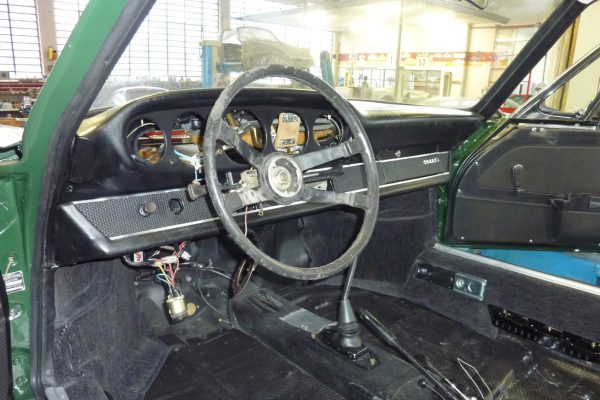 Porsche-911-2.0-S-1968-66