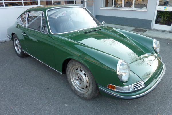 Porsche-911-2.0-S-1968-67
