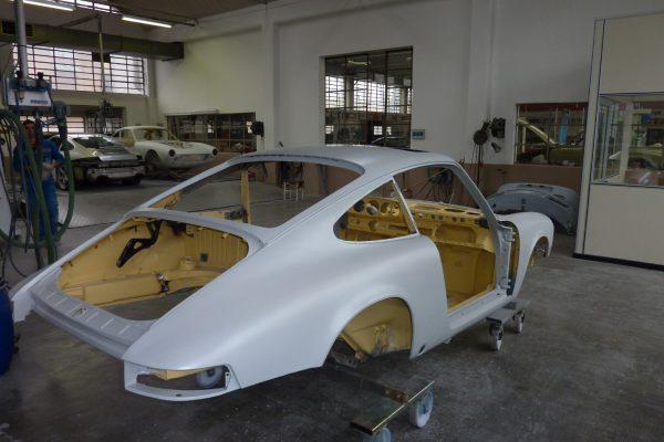 Porsche-911-2.0-S-1969-11