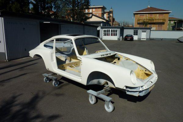 Porsche-911-2.0-S-1969-14