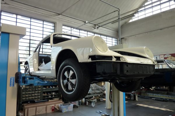 Porsche-911-2.0-S-1969-22