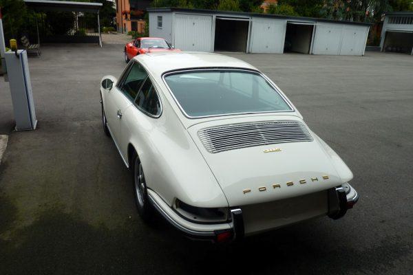 Porsche-911-2.0-S-1969-26