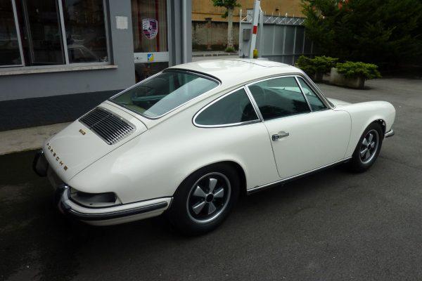 Porsche-911-2.0-S-1969-27