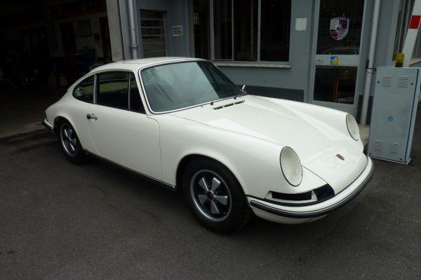 Porsche-911-2.0-S-1969-28