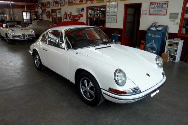 Porsche-911-2.0-S-1969