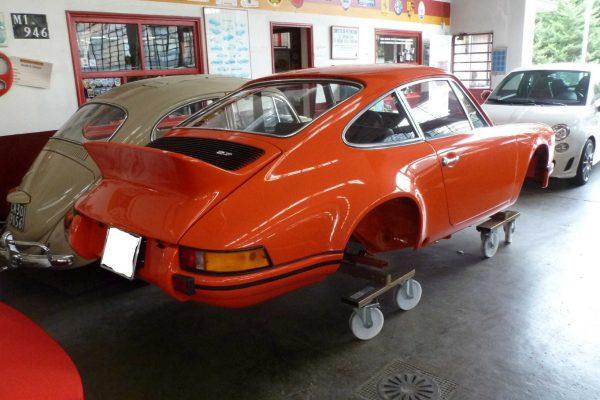 Porsche-911-RS-2.7-Tangerine-19-Custom