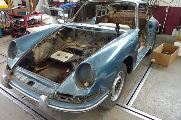 Porsche-911-1965-18