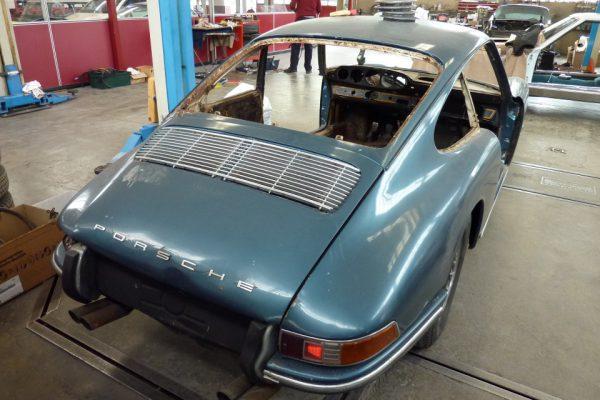 Porsche-911-1965-20