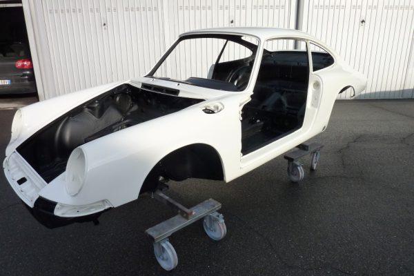 Porsche-911-1965-64