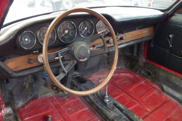 Porsche-911-2.0-1966-22