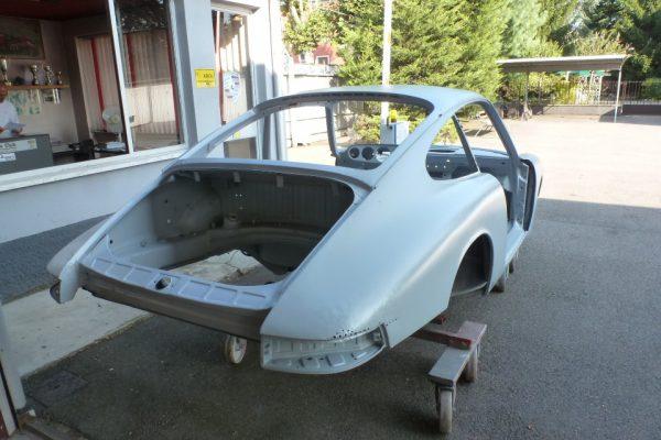 Porsche-911-2.0-1966-25