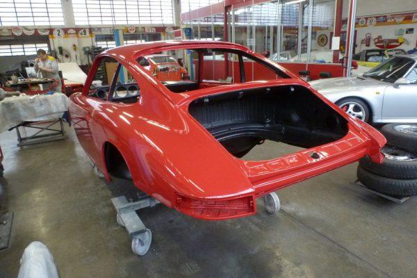 Porsche-911-2.0-1966-301