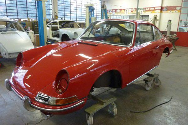 Porsche-911-2.0-1966-330