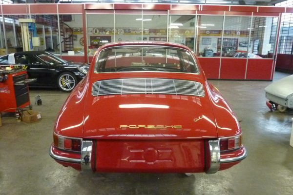 Porsche-911-2.0-1966-350