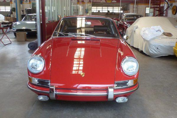 Porsche-911-2.0-1966-43