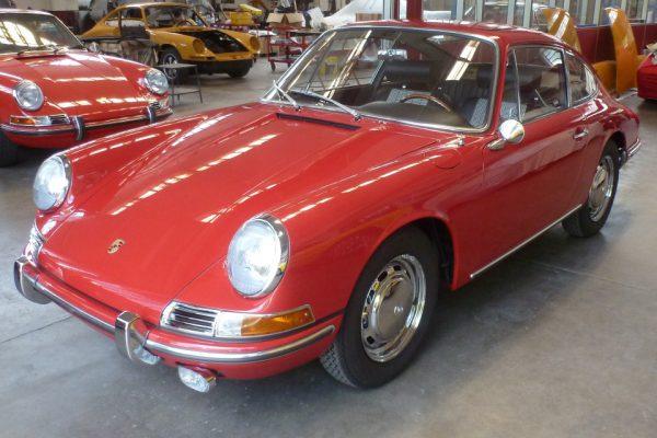 Porsche-911-2.0-1966-44