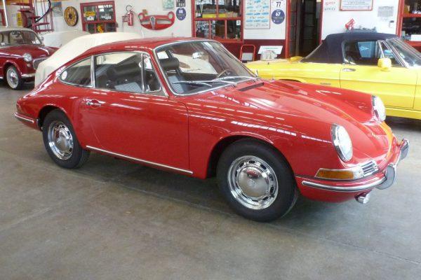 Porsche-911-2.0-1966-45
