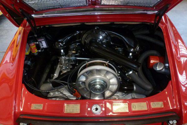 Porsche-911-2.0-1966-48