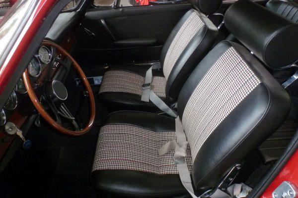Porsche-911-2.0-1966-50