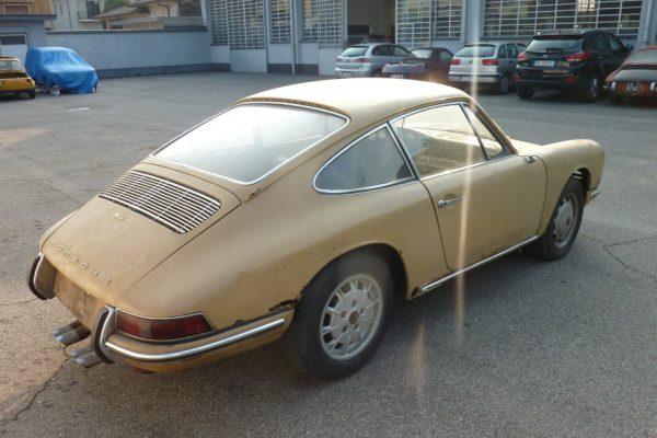 Porsche-911-2.0S-1967-16