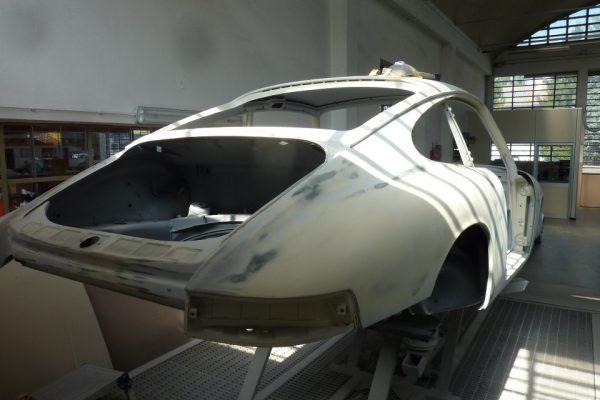 Porsche-911-2.0S-1967-58