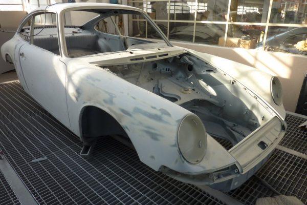 Porsche-911-2.0S-1967-60