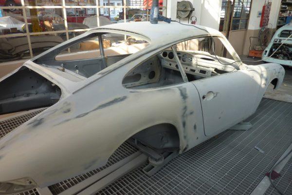 Porsche-911-2.0S-1967-61