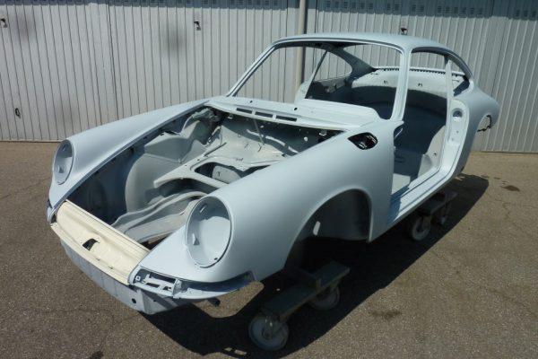 Porsche-911-2.0S-1967-63