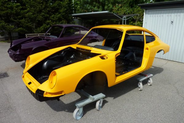 Porsche-911-2.0S-1967-75