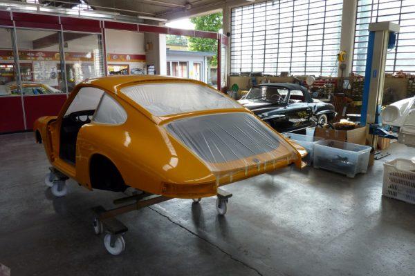 Porsche-911-2.0S-1967-82