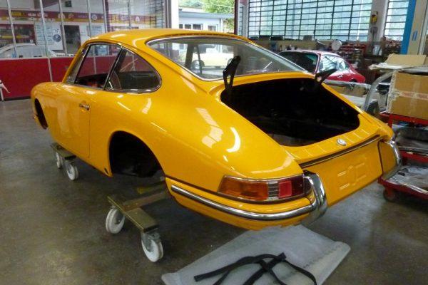 Porsche-911-2.0S-1967-88