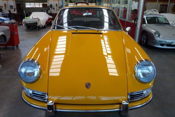 Porsche-911-2.0S-1967-92