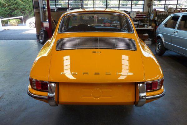 Porsche-911-2.0S-1967-95