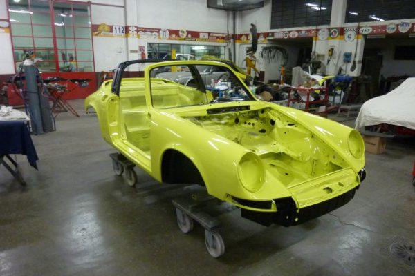 Porsche-911-2.4-T-Targa-15