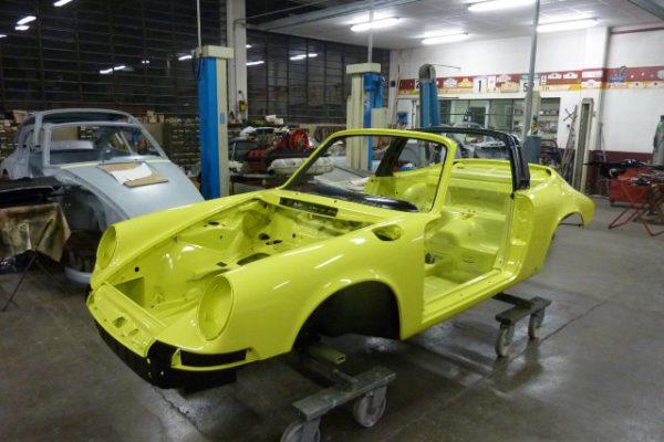 Porsche-911-2.4-T-Targa-16