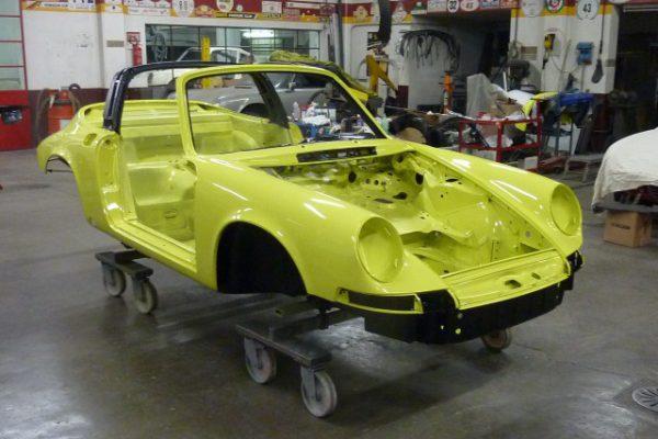 Porsche-911-2.4-T-Targa-18