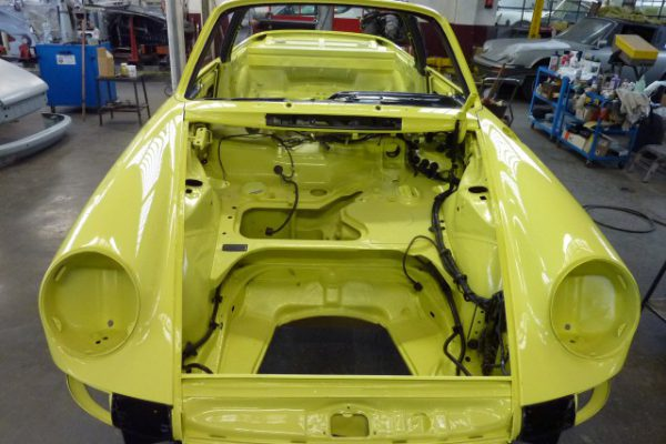 Porsche-911-2.4-T-Targa-20