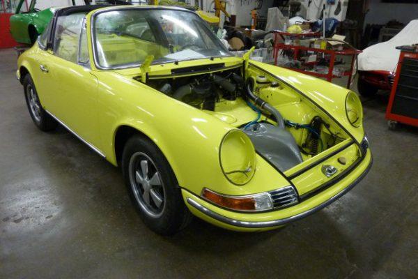 Porsche-911-2.4-T-Targa-25
